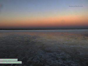 غروب دریاچه نمک خور
