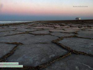 دریاچه ی فصلی نمک در خور