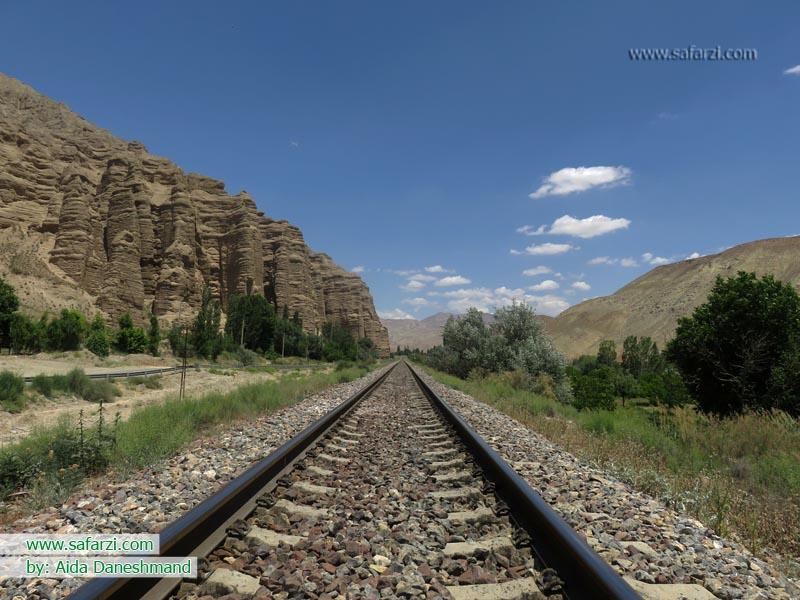 ریل قطار تهران-شمال در سیمین دشت