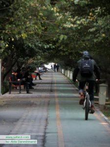 دوچرخه سواری در بلوار کشاورز