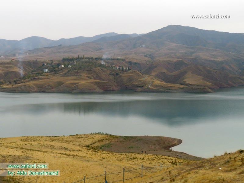 طبیعت چشم نواز دریاچه سد طالقان